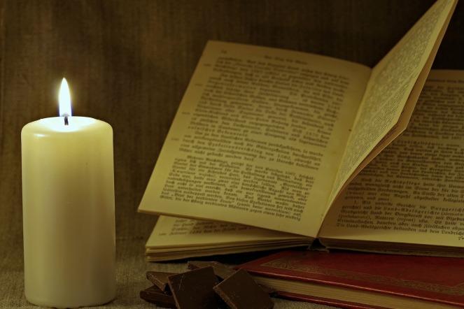 book-2086304_1920